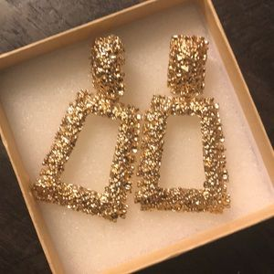 Earrings gold toned costume jewelry